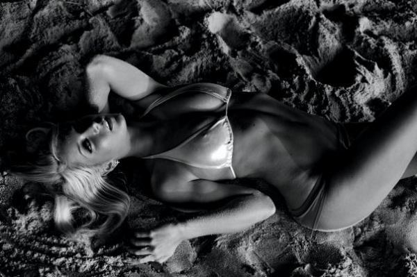 Jenna-Marbles-in-Bikini-04