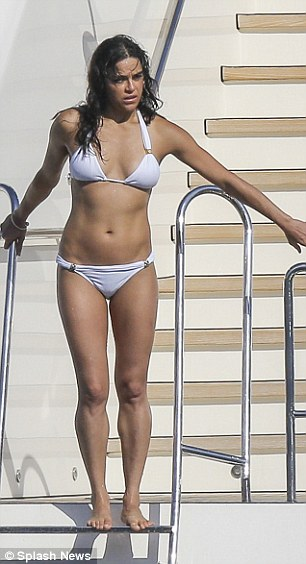 Michelle-Rodriguez-Bikini-10