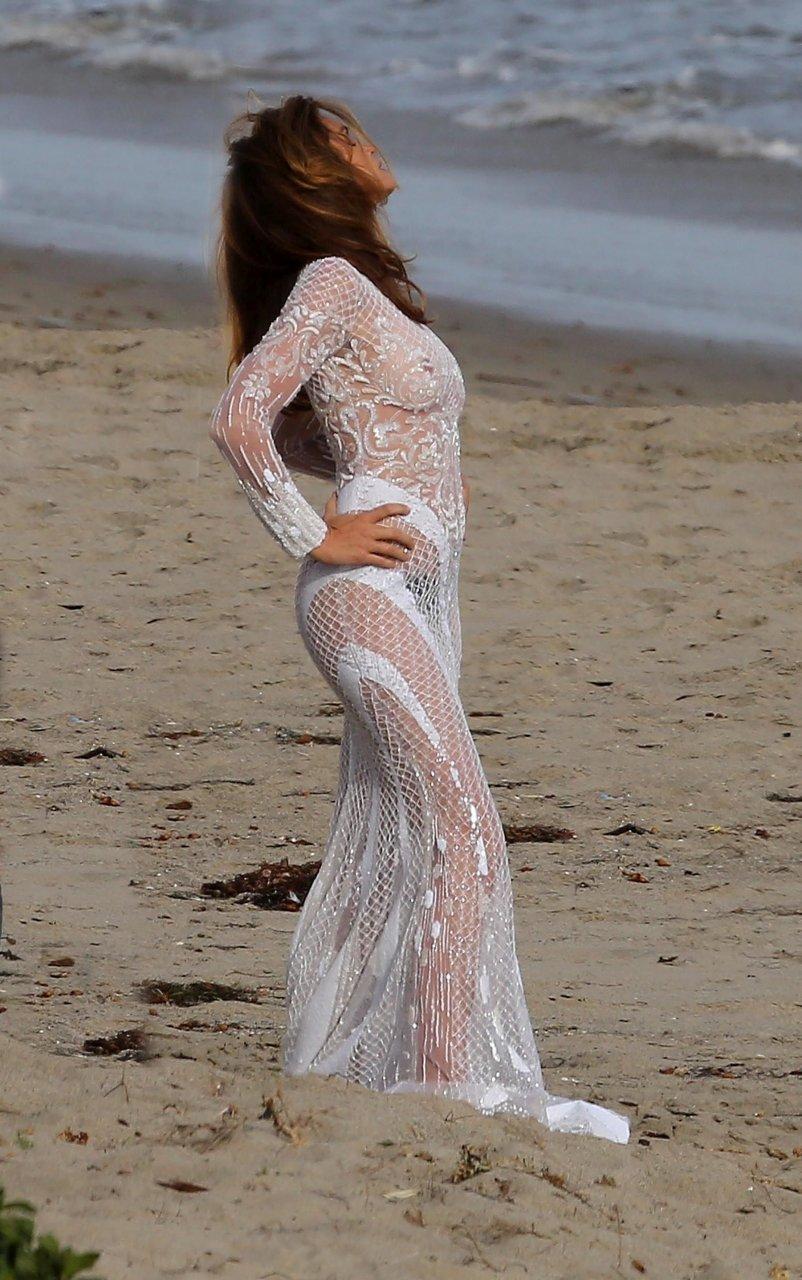 Cindy-Crawford-Topless-06