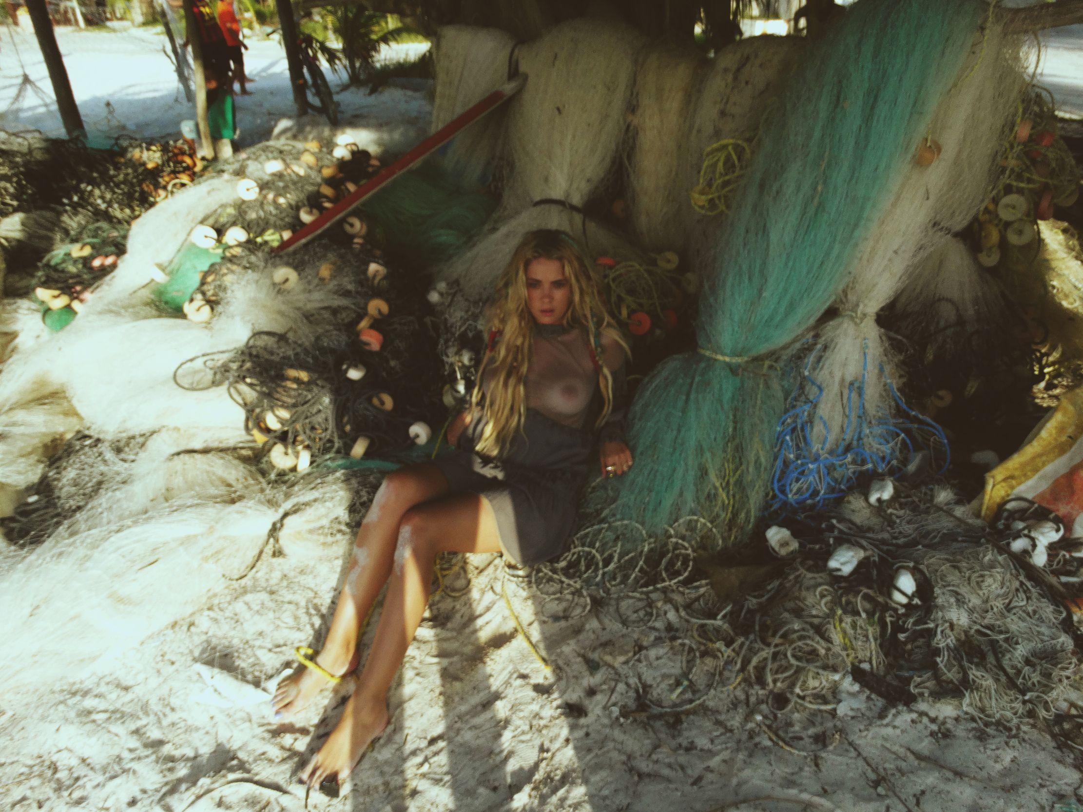 Ashley-Benson-Tits-1