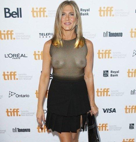 Jennifer-Aniston-Naked-09