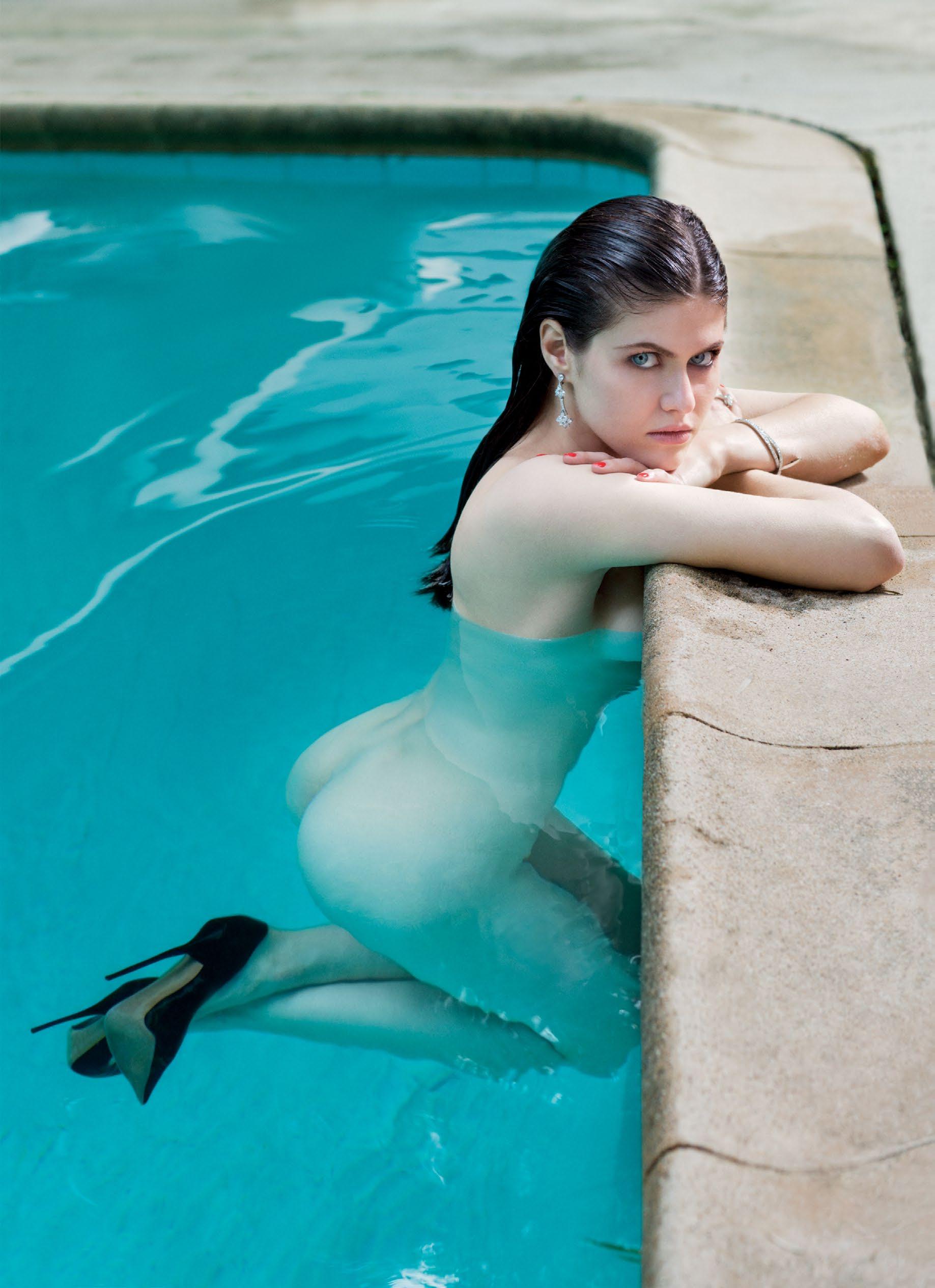 Alexandra-Daddario-Nude