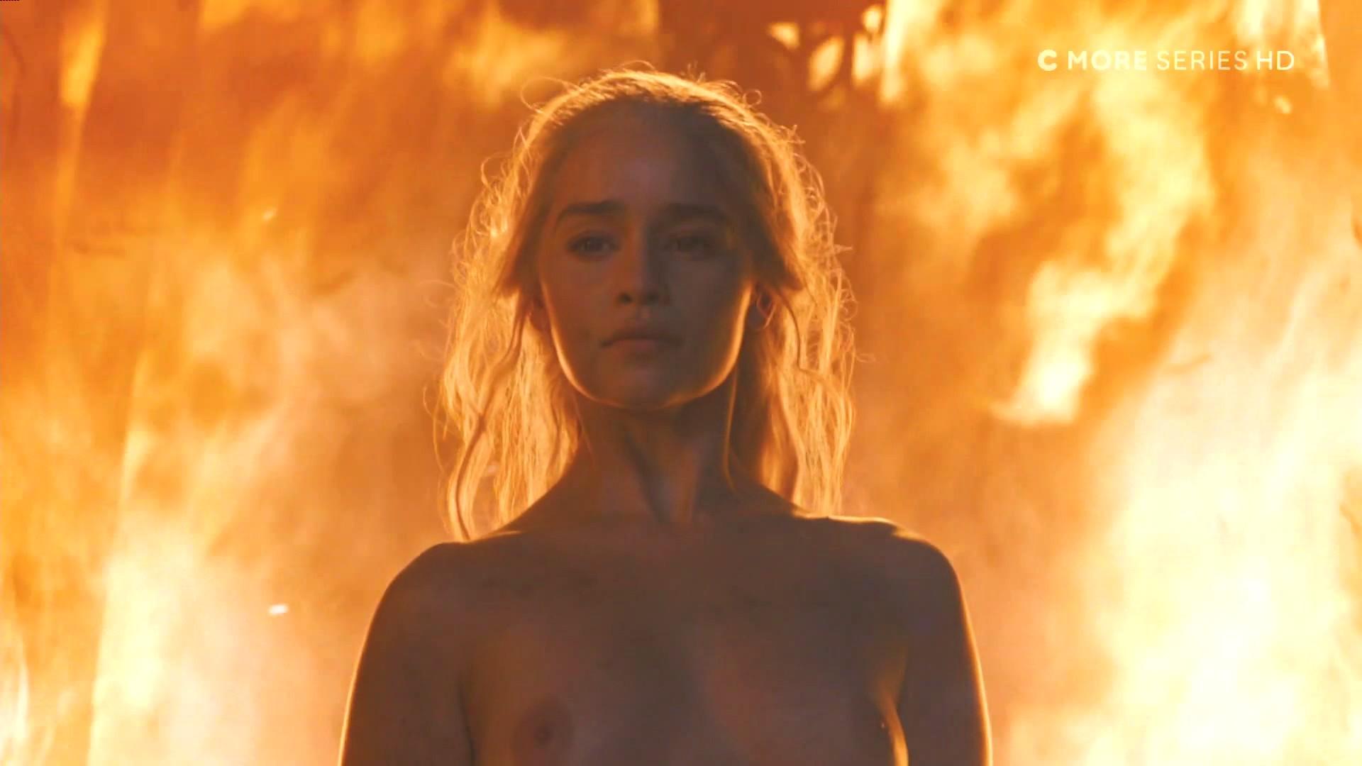 Emilia-Clarke-Nude-6