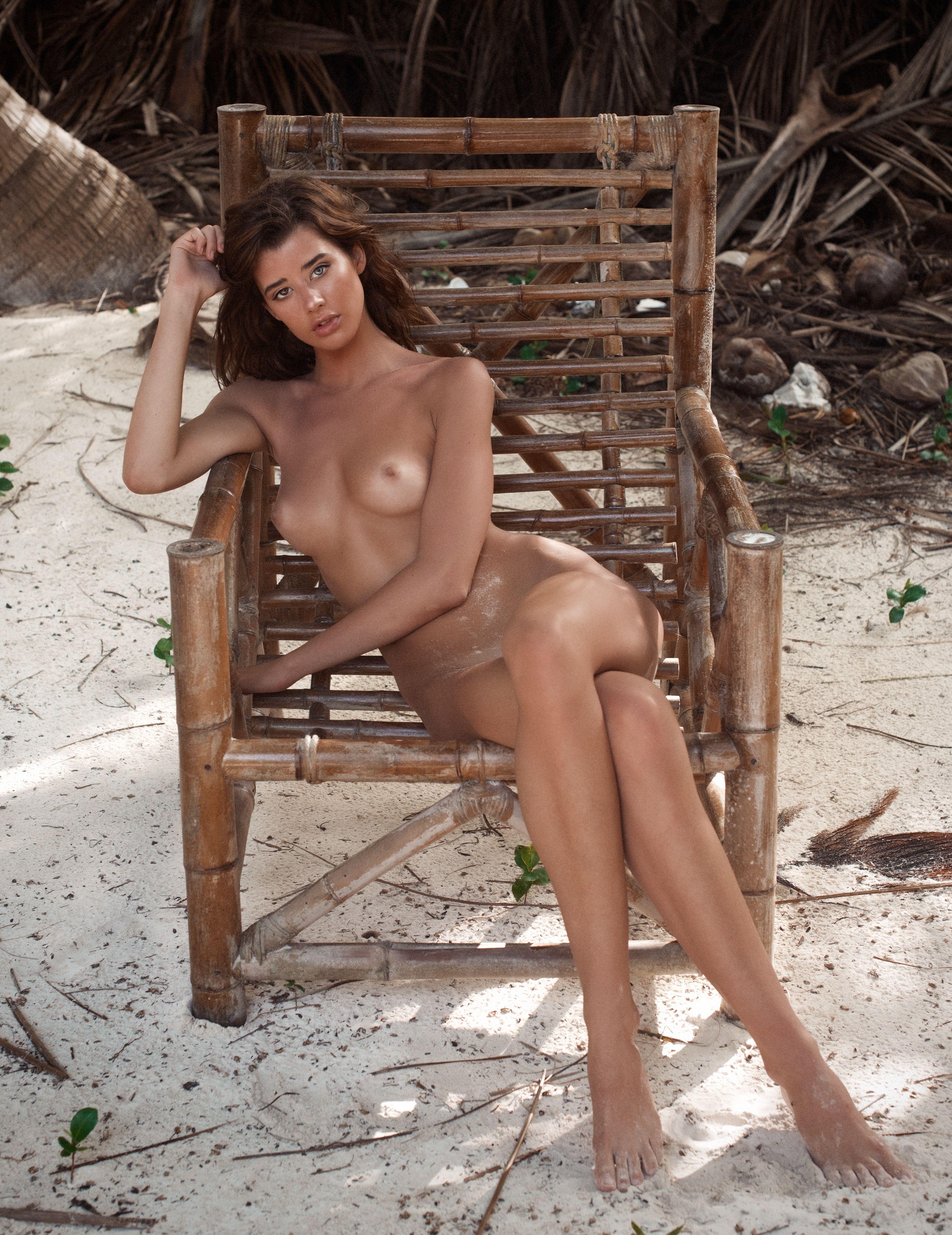 Sarah-McDaniel-Nude-Sexy-10