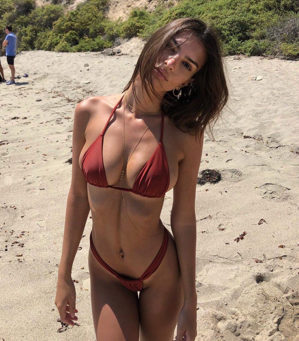 Emily Ratajkowski Sexy girlfappening.com 1