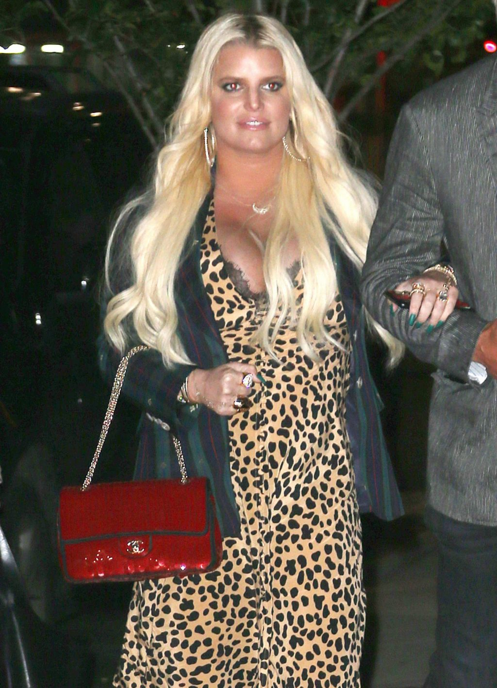 Jessica Simpson Cleavage girlfappening.com 1