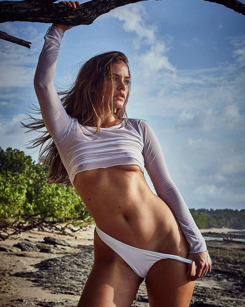 Barbara Palvin Hot girlfappening.com 1