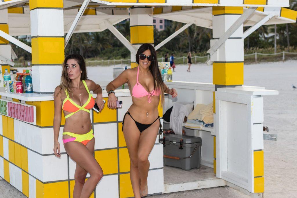 Claudia Romani Lauren Francesca Bikini girlfappening.com 1