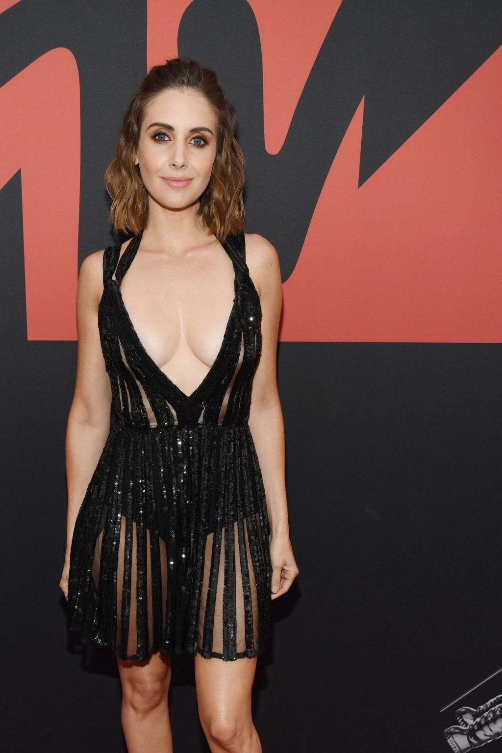 Alison Brie Cleavage girlfappening.com 1